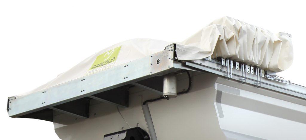 <p>Dach przesuwny manualnie lub automatycznie z możliwością obsługi bezprzewodowej na odległość za pomocą pilota lub ze skrzynki sterowniczej.</p>