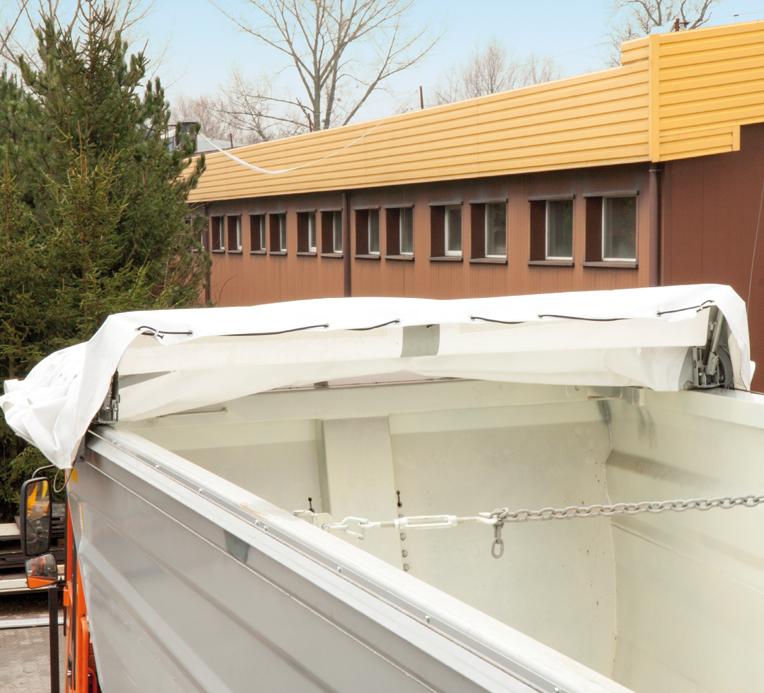 <p>Złożony dach</p>