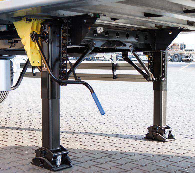 <p>Podwójne stalowe nogi podporowe z płynną regulacją o nośności dynamicznej 24t i obciążeniu statycznym 50t.</p>