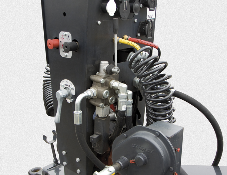 <p>Kompletna hydraulika</p>