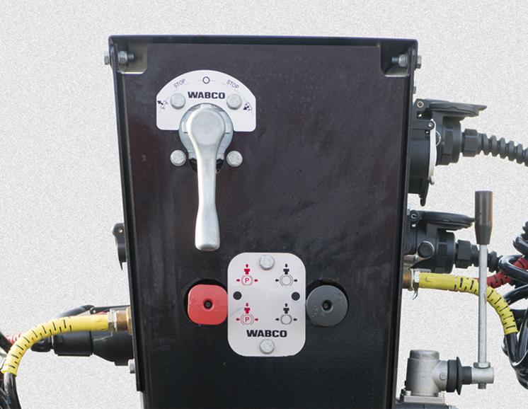 <p>Zawór poziomujący, automatyczny hamulec parkingowy</p>