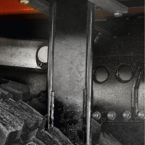 <p>Noże kół zapobiegające uszkodzeniom opon poprzez dostawanie się kamieni pomiędzy koła.</p>