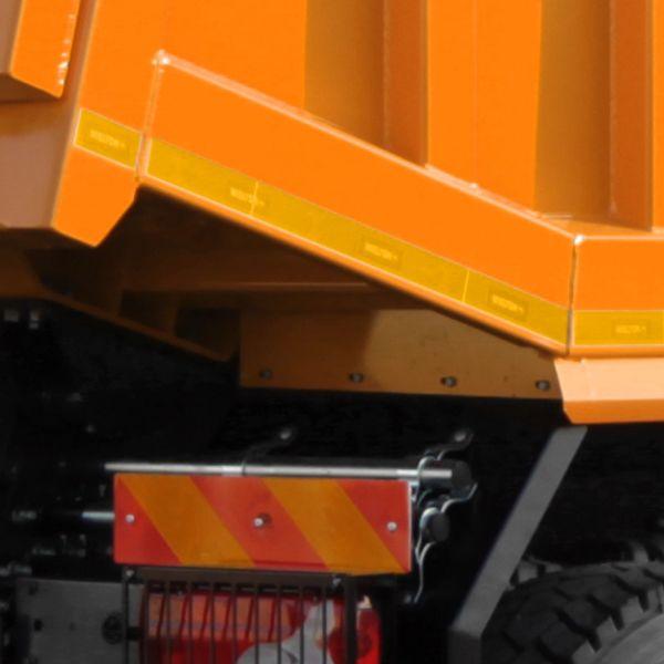 <p>Kształt podłogi pozwalający na swobodne<br /> przewożenie ładunków bez tylnej klapy.</p>